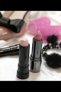 时尚产品:化妆