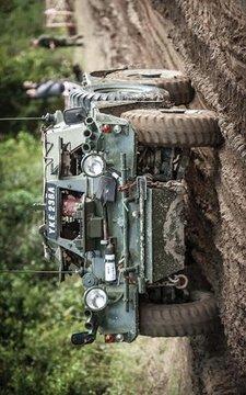 军队车辆停车场截图